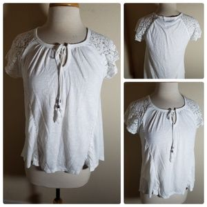 Absolutely Famous White Lace Sleeve Blouse Top